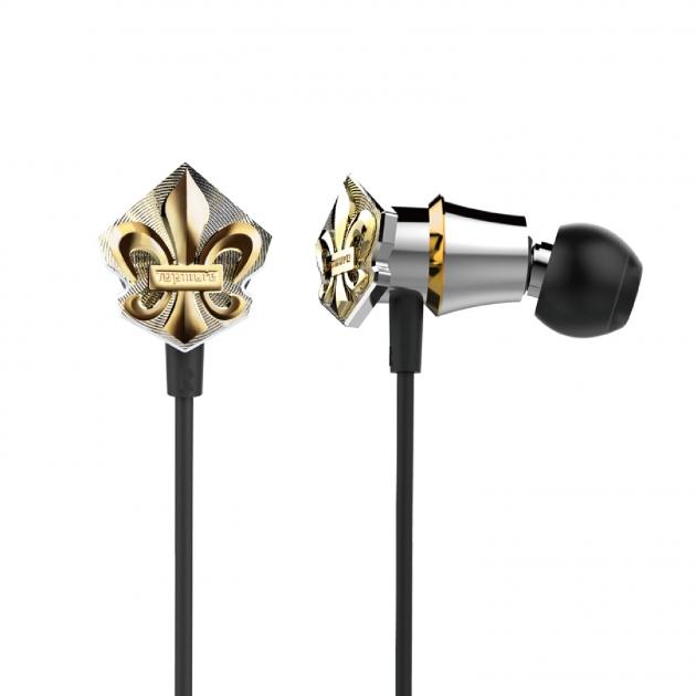 Royal Series Earphones 1